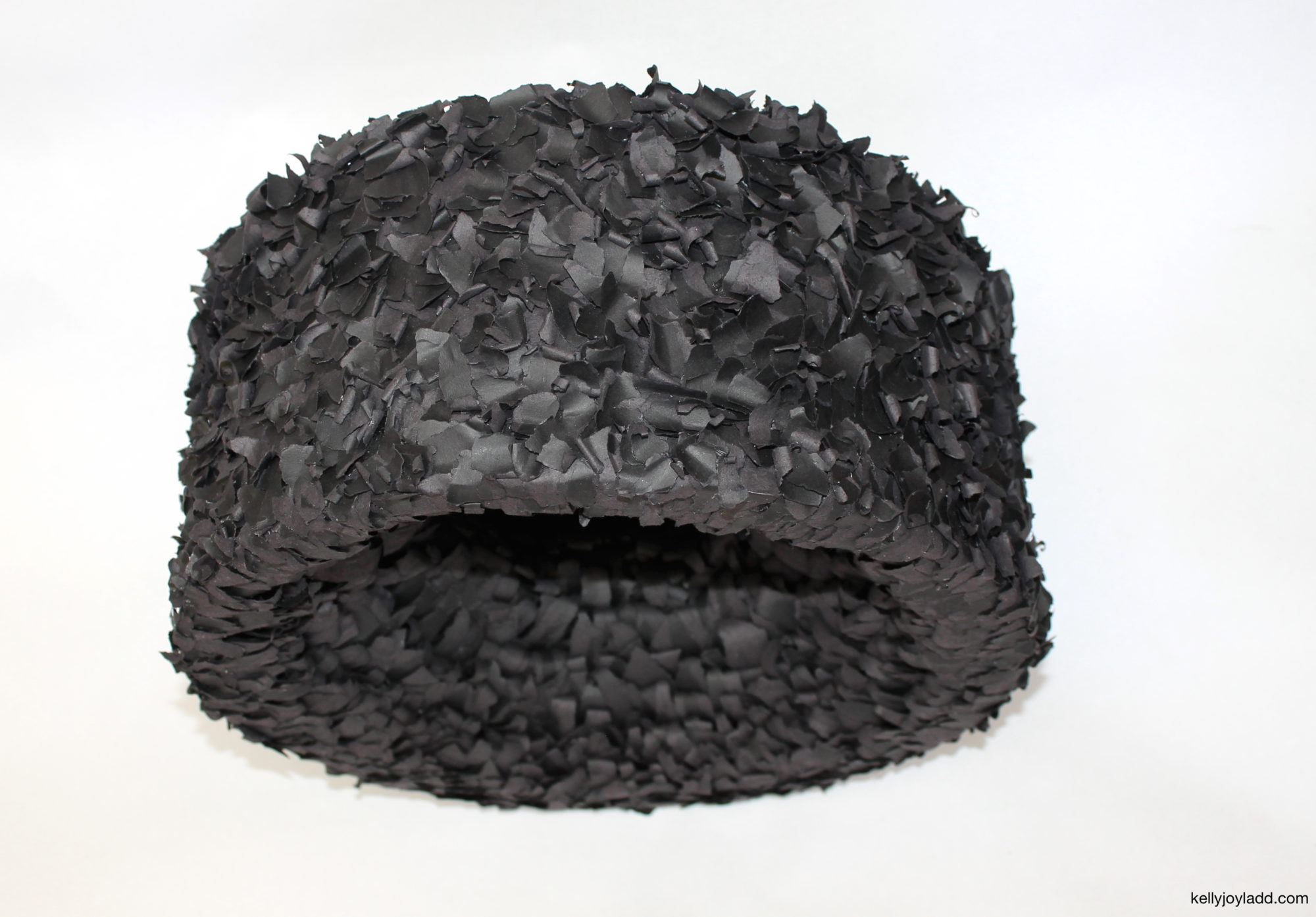 kellyjoyladd.com; paper art